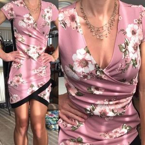 Dresses & Skirts - Floral Surplice Rouched V-Neck Bodycon Mini Dress